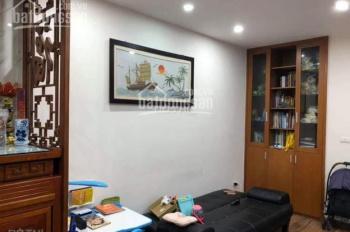 Cần bán căn 68m2, 2PN, ban công hướng Đông, nội thất gắn tường tại tòa CT5B, Văn Khê. LH 0911217166