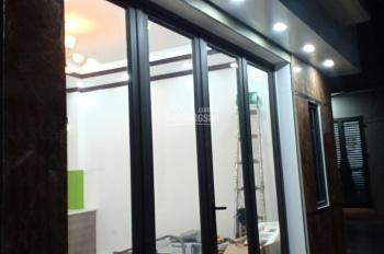 Bán nhà siêu đẹp tổ 8 phường Thạch Bàn, cách đường ô tô 10m