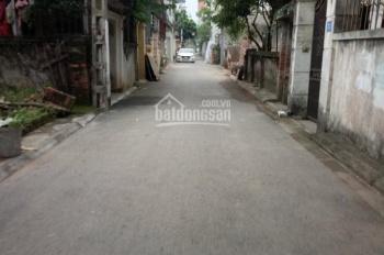 Bán đất ngõ 195 gần chợ Phúc Lợi, LB, DT: 54.2m2, MT: 3.3m, đường 2.5m, giá 1.4 tỷ. LH: 0394408531