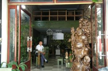 Chính chủ cần cho thuê nhà mặt phố Nguyễn Huy Tưởng. LH: 0944.188.833