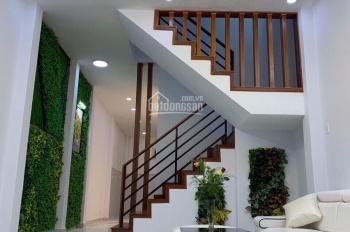 Cần bán gấp nhà Nguyễn Hồng Đào, DT: 5.8 x 10m, nở hậu, hẻm xe hơi, giá: 6.5 tỷ thương lượng