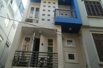 Bán nhà 5 tầng, diện tích 52m2 mặt tiền phố Hoa Bằng