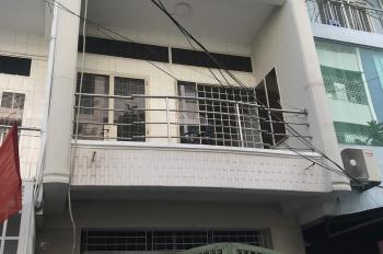 Cho thuê nhà 1 trệt 2 lầu mặt tiền đường 8, Bình An. Giá 18tr/tháng