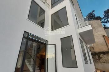 Cần bán nhanh villa đang hoàn thiện được 90%. Villa tọa lạc ngay đường Tôn Thất Tùng
