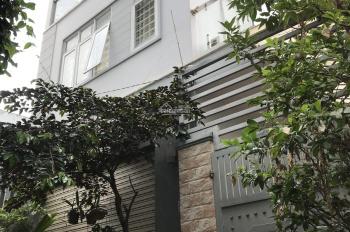 Cho thuê nhà nguyên căn 1 trệt 2 lầu DTSD 300m2, 15tr/th, gần Đại học Luật, ngã tư Bình Triệu