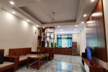 Bán nhà trong phố Quan Nhân, mặt tiền 5m, giá chỉ hơn 3 tỷ. LH 0977826920