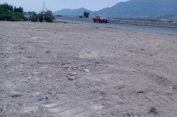 Cần tiền bán rẻ đất 2 mặt tiền QL 1A, Ninh Thuận, gần Cà Ná Quán. Vị trí rất đẹp mua lời ngay 10%
