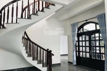 Chính chủ cần bán biệt thự đẹp Nguyễn Hữu Trí, 370m2, giá: 9.6 tỷ, liên hệ: 0356623629