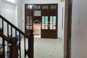 Cho thuê nhà ngõ 376 Đường Bưởi, diện tích 50m2 x 3 tầng, 3 phòng ngủ, giá 10 tr/th thương lượng