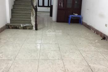 Chính chủ cho thuê nhà mặt ngõ 35 Cát Linh, 75 m2, 4 tầng, 5 ngủ WC khép kín,45 triệu