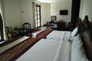 Khách sạn 3 sao nội thất gỗ quý, mặt tiền Khe Sanh, view rừng thông Đà Lạt