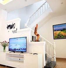 Cho thuê nhà phố Nam Đồng, 85m2 x 4 tầng, MT 8m, ô tô đỗ cửa ngày đêm