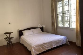 Chính chủ cho thuê nhà 4 phòng ngủ khép kín ngõ 111, Xuân Diệu, Tây Hồ, Hà Nội