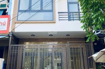 Cho thuê nhà phố làm văn phòng tại 223 Huỳnh Tấn Phát, Đà Nẵng. Liên hệ chị Thảo - 0943196496