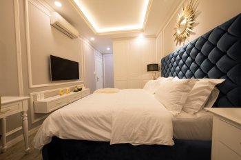 Cần bán căn hộ chung cư cao cấp The One Sài Gòn, Q1. DT 110m2, 2PN, có sổ, giá: 10 tỷ, 0909130543
