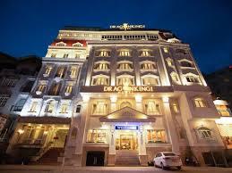 Bán gấp khách sạn 2 sao đường Hoàng Việt - ngay khu đệ nhất quận Tân Bình, 14x20m, 8L. Giá 63 tỷ