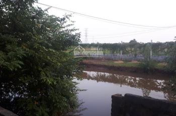 Bán 900m2 đất thổ cư có sẵn nhà cấp 4 giá 1,7 tỷ để chuyển vào Sài Gòn. LH: 0329822805
