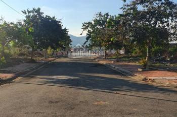 Bán đất mặt tiền Chu Văn An trung tâm Bà Rịa, đã có sổ, sang tên ngay trong ngày. LH 0938 493 178