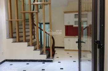 Bán nhà xây mới cực đẹp ngõ Hòa Bình 7, DT 35m2x5T, ngõ rộng 3m, cách đường ô tô 15m, giá 3,3 tỷ