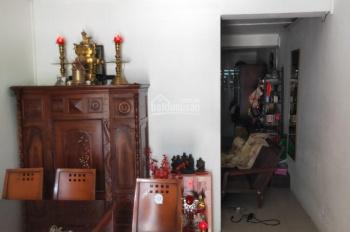 Cho thuê nguyên căn mặt tiền đường 702 Hồng Bàng, P. 1, Q. 11, DT 3.3x15m, trệt lầu ST 2PN giá 12tr