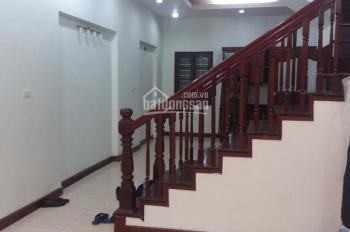 Cho thuê nhà mặt ngõ 43 phố Trung Kính. Diện tích 70m2 x 5 tầng, ngõ rộng kinh doanh