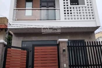Chủ nhà cần tiền nên bán căn nhà 1 trệt, 1 lầu ở đường Tô Ký, Q.12, DT: 3,8x11m, giá 1 tỷ 3