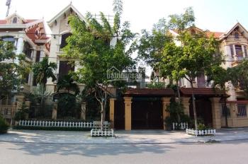Cho thuê căn biệt thự mặt đường Hài Bà Trưng, Bắc Ninh, giá 12 tr/th làm VP rất đẹp. 0937398568