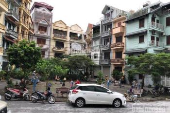 Bán căn hộ 120.4m2 nội thất cao cấp tầng 7 - Nhà F, ngõ 28, Xuân La, Tây Hồ, Hà Nội