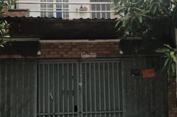 Phá sản, bán gấp nhà nát đường Hoàng Diệu, Q.4 - 70m2/ 850tr SHR gần chợ, LH 0932113691 Quân