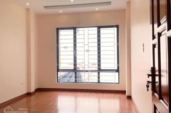 Cho thuê nhà mặt ngõ đường Trần Hữu Tước - Hồ Đắc Di, 45m2x03 tầng, 10 triệu.