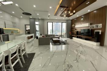 Chính chủ cần bán căn penthouse Vinhomes Central Park, 206m2. LH: 0909.471.985