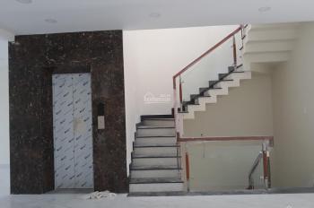 Cho thuê sàn VP, DT 8x20m, 1 hầm, 4 lầu, 3,5 sàn suốt, thang máy, giá 120 triệu/tháng 0937334693