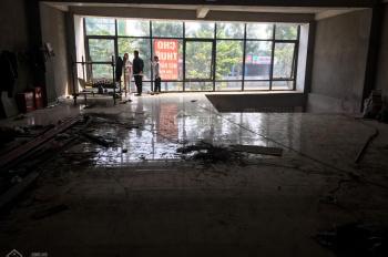 Cho thuê MB tầng 1 MP Phạm Văn Đồng gần Xuân Thủy 350m2, MT 10m, thông sàn, CT nhà hàng. 0961687961
