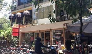 Nhà cho thuê nguyên căn 2 mặt hẻm 662/19 Sư Vạn Hạnh đối diện Vạn Hạnh Mall. LH: 0906918996 A Linh