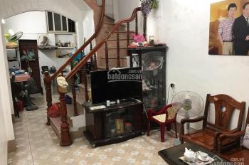 Bán nhà mặt ngõ 106 Chùa Láng - 30m2 sàn - 3 tầng, giá 3,1 tỷ, LH: 0918519403
