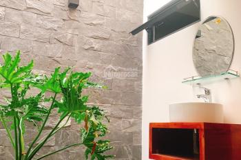 Bán nhà 3 tầng 3 mê mặt tiền Tôn Đản, nhà thiết kế mới cực kì hiện đại, LH: 0932540597