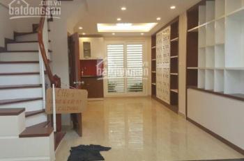 Cần bán nhà, phố Ngô Thì Sỹ DT 45m2*3T*2PN, nhà 2 mặt thoáng, LH Mr Vinh 0868701600