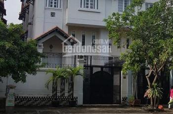 Villa mặt tiền Cao Lỗ - Tạ Quang Bửu (8x20m, hầm, 3 lầu) 16.8 tỷ