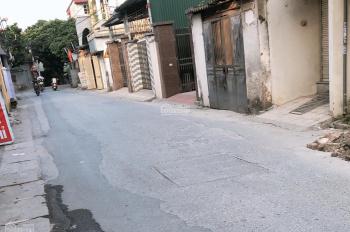 Gia đình tôi cần bán 100m2 đất mặt đường to liên xã Dương Hà, giá 39.5 triệu/m2. LH 0937351268