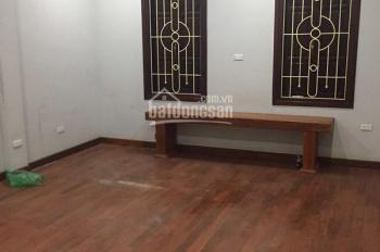 Cho thuê nhà riêng ngõ 161 Nguyễn Tuân, diện tích 60m2 x 5 tầng, ngõ ô tô đỗ cửa, giá 17 tr/tháng