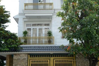 Nhà hoàn thiện sổ hồng, 1 trệt 2 lầu Võ Thị Sáu, Đông Hòa, Dĩ An, Bình Dương, giá 4,3tỷ. 0349524538