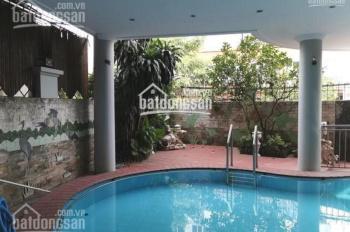 Gia đình tôi cần cho thuê gấp căn biệt thự 5 tầng, có sân vườn và bể bơi. Ngõ 399,Âu Cơ,Tây Hồ,HN