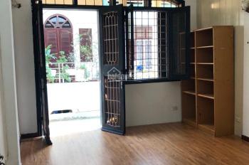 Bán nhà trong ngõ phố 8/3 Quỳnh Mai, Hai Bà Trưng, HN, 43m2, 4 tầng, ô tô vào nhà, 50m2, giá 5.6 tỷ