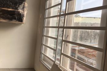 Bán 3 căn nhà xây mới Linh Xuân, DT 30m2, giá 2.1 tỷ, 3 phòng ngủ, LH 0919 88 2378