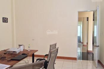 Cho thuê nhà 2 tầng MT Nguyễn Duy, Cẩm Lệ, giá rẻ - 9 triệu/tháng - 0935518995