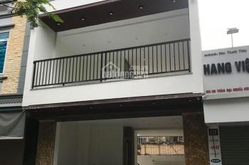 Cho thuê nhà mặt ngõ Lê Thanh Nghị 72m2 x 3 tầng, MT9m. Giá 25tr/th. Ngõ rộng 2 ô tô tránh nhau.