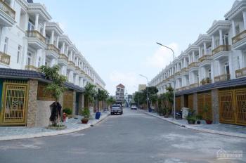 Bán gấp nhà 1 trệt 2 lầu MT đường Võ Thị Sáu, Dĩ An giá 1,935 tỷ. LH chính chủ: 0906.720.035
