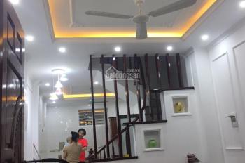 Gia đình cần bán nhà 4 tầng, 160m2, Thạch Bàn, Long Biên