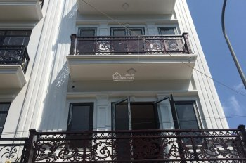 Bán gấp nhà cao cấp Vạn Phúc HĐ đối diện cổng làng Phố Lụa ô tô vào nhà 5 tỷ, 5 tầng 0975100988