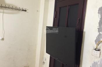 Mình có nhà cho thuê 4 tầng x 20m2 full đồ 2 PN giá 4,5tr/th phố Ngô Sĩ Liên Đống Đa LH: 0961442722
